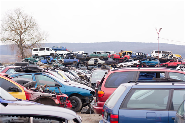 What Happens to Your Car at a Salvage Yard?