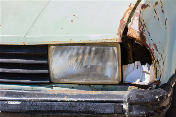 Trouble Selling Your Junker? A Salvage Yard Will Pay You For It