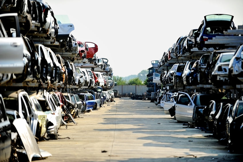 Steps to Take Prior to Selling Your Car to a Junkyard