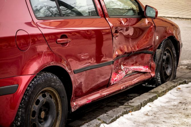 Own a Junker Vehicle? 4 Tips on Selling Your Automobile for Parts