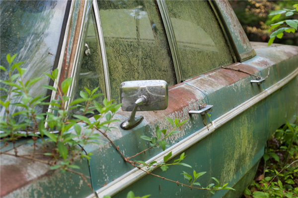 """3 Salvage Yard Safety Tips For """"Pull-It Yourselfers"""""""
