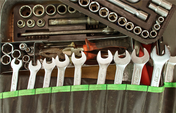 What Tools Do You Need to Bring to a Salvage Yard?